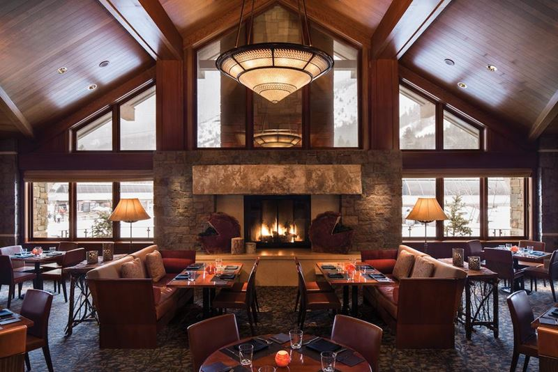 Отель Four Seasons Resort and Residences Jackson Hole