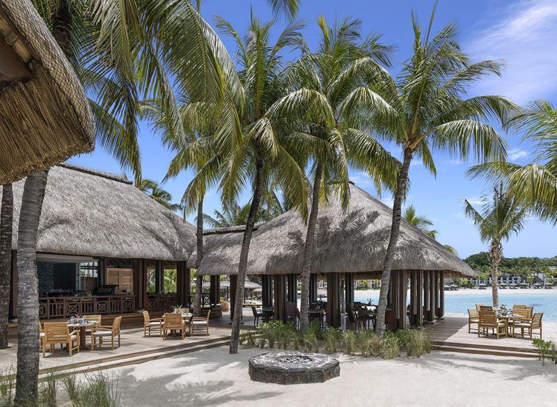 Shangri-La's Le Touessrok Resort & Spa - ресторан Republik Beach Club & Grill