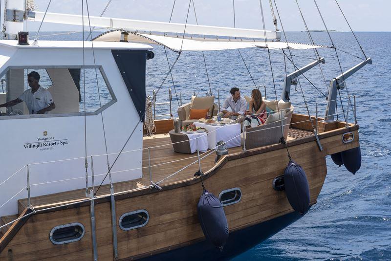 Shangri-La`s Villingili Resort & Spa - семейная прогулка на яхте