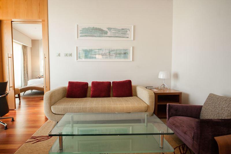 Swissôtel Красные Холмы - интерьер номера класса Residential Suite