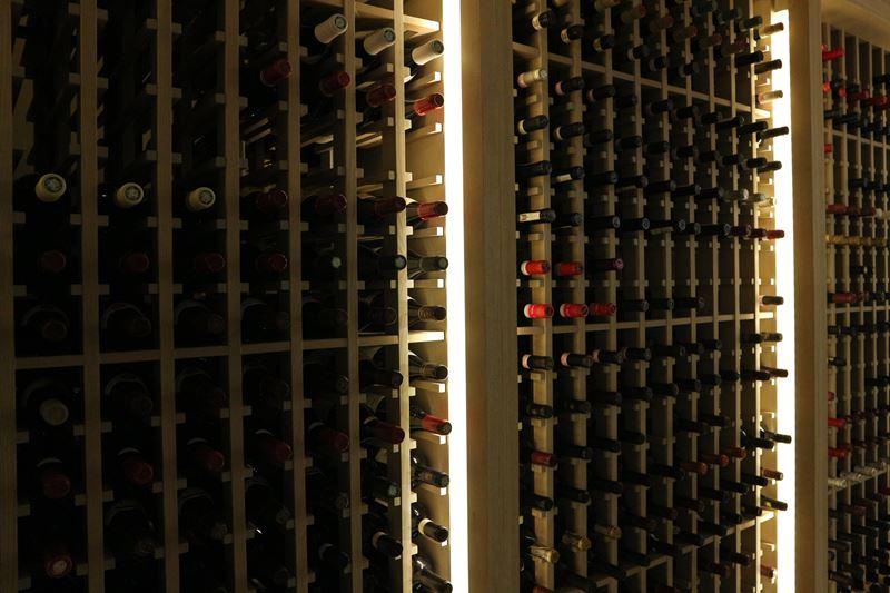 Винный погреб Decanter отеля St. Regis Maldives Vommuli Resort - специальное предложение Wine Gazing