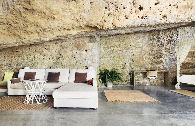 «Орёл и решка»: города Испании - Кордова – 12 сезон «Кругосветка» - отель в пещере