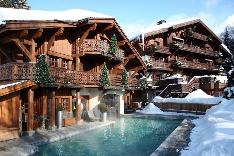 "Four Seasons Hotel Megève представляет эксклюзивное предложение ""Bed & Helicopter"""