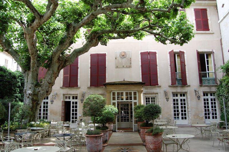 «Орёл и решка»: города Франции - Прованс – Hôtel d'Europe в Авиньоне