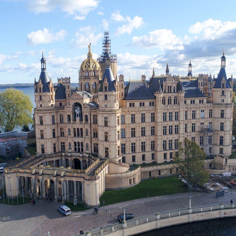 Крупные и красивые города Германии - Шварин - Шверинский замок