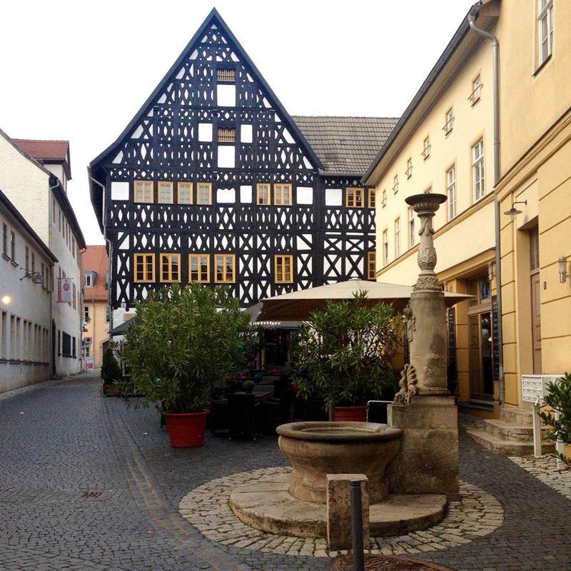 Крупные и красивые города Германии - фахверковые дома Веймара