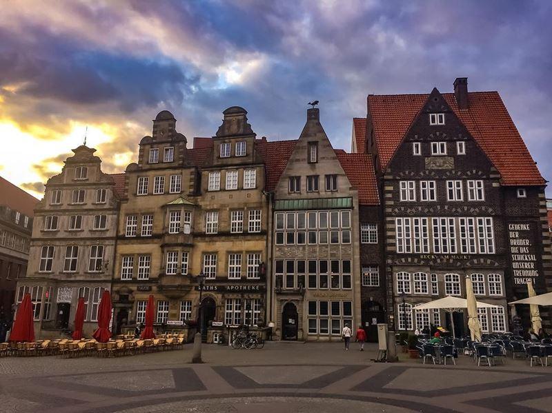 Крупные и красивые города Германии - Рыночная площадь Бремена