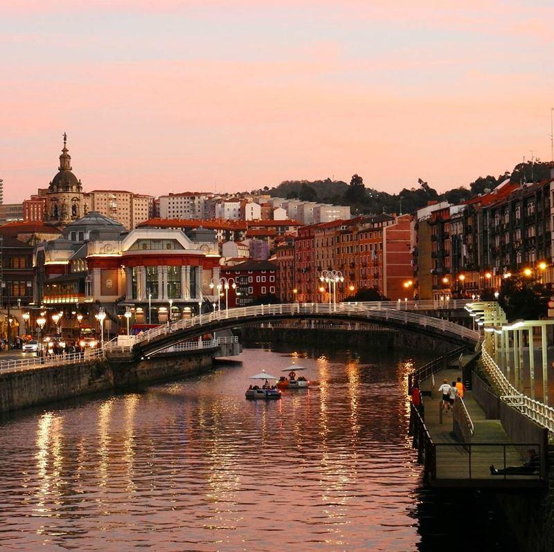 Крупные и красивые города Испании - Бильбао - Мост через реку Нервьон