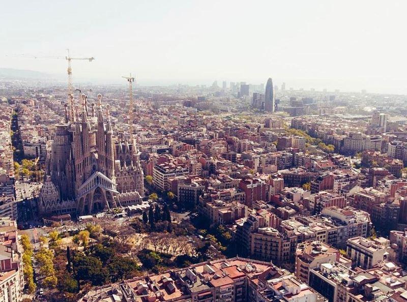 Крупные и красивые города Испании - Барселона - вид сверху