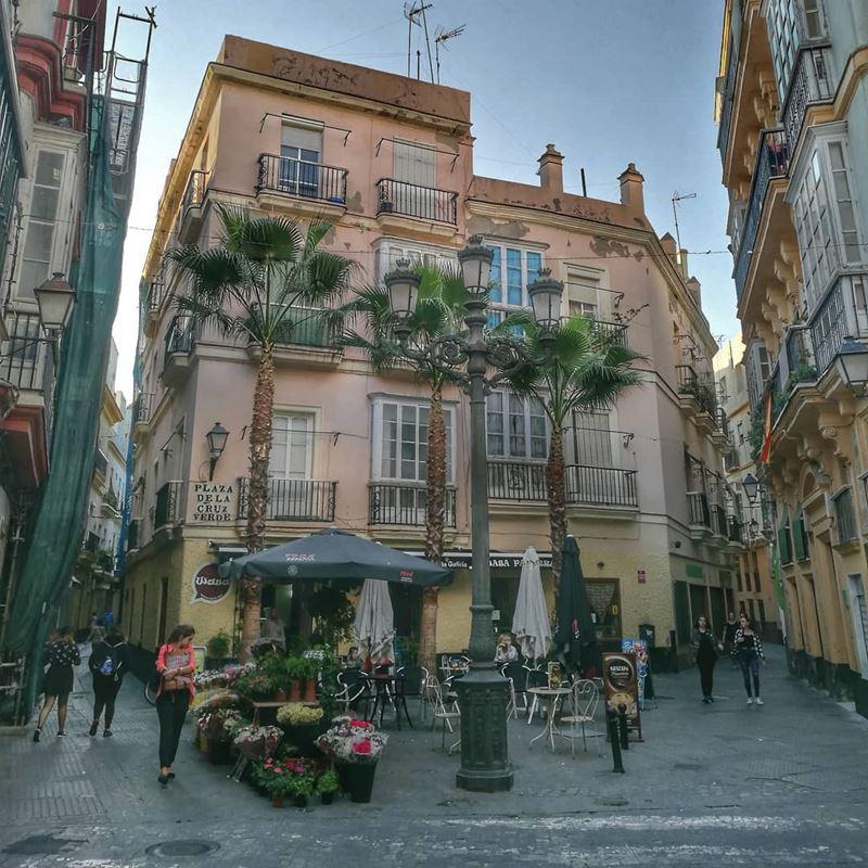Крупные и красивые города Испании  - Кадис - улицы и архитектура