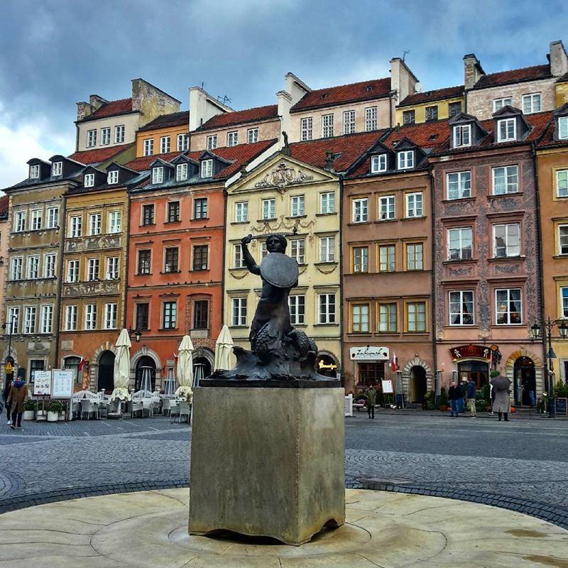 Крупные и красивые города Польши - Варшава - памятник Сирене (русалочке) на Рыночной площади