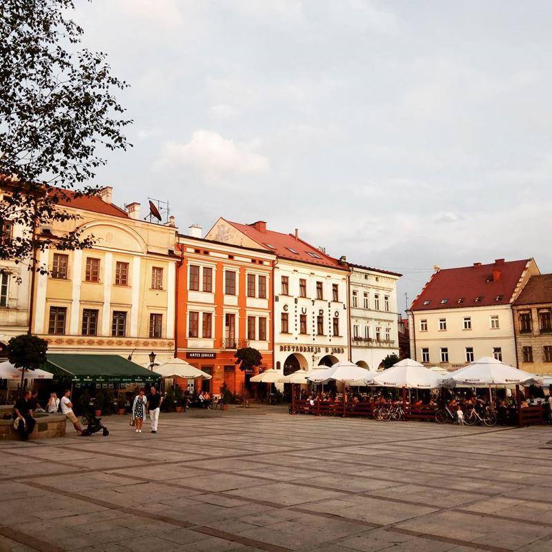 Крупные и красивые города Польши - Рыночная площадь в Тарнуве
