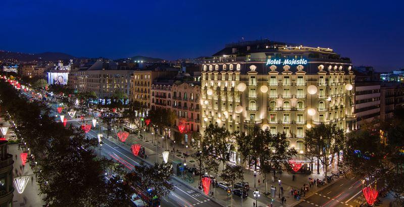 Majestic Hotel & Spa Barcelona - рождественское освещение