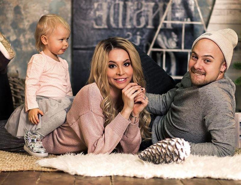 «Орёл и решка»: ведущие - Натали Неведрова с мужем и дочерью