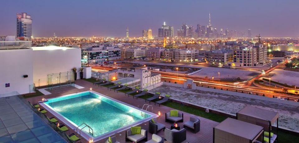 11 отелей Дубая с бассейном на крыше