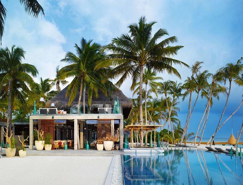 Новый год на курорте Velaa Private Island Maldives - ресторан Avi