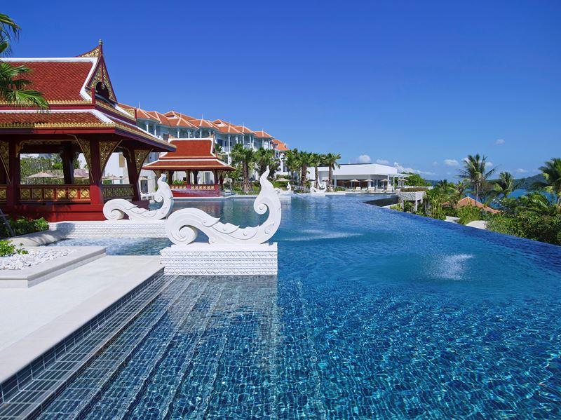 Amatara Wellness Resort - пятизвёздочный отель на Пхукете с красивым бассейном инфинити