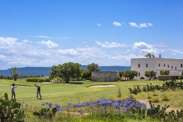 Отель Borgo Egnazia в регионе Апулия (Италия) с великолепными пейзажами и видом на Адриатическое море