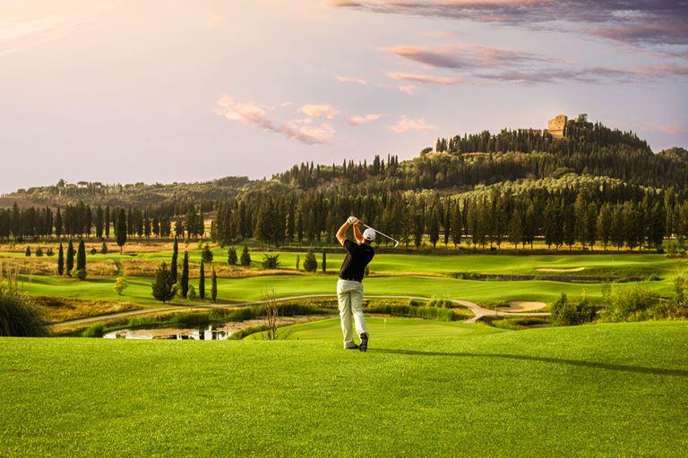 Castelfalfi Golf Club - идеальное место в Италии для игры в гольф