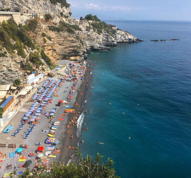 Лигурийское побережье: лучшие пляжи - Lido delle Sirene в Берджеджи