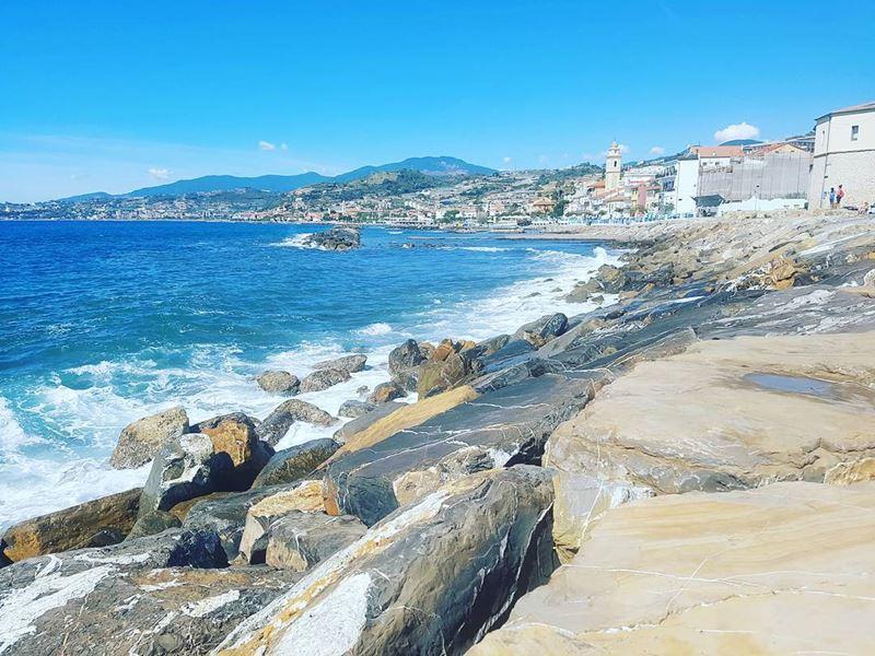 Лигурийское побережье: лучшие пляжи - Baia Azzurra в Санто Стефано аль Маре