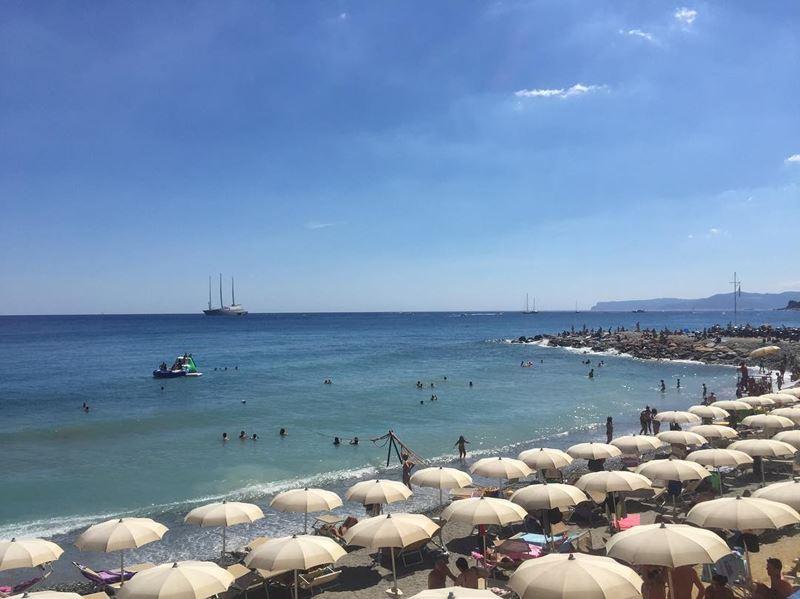 Лигурийское побережье: лучшие пляжи - Bagni alla Mola в Варацце