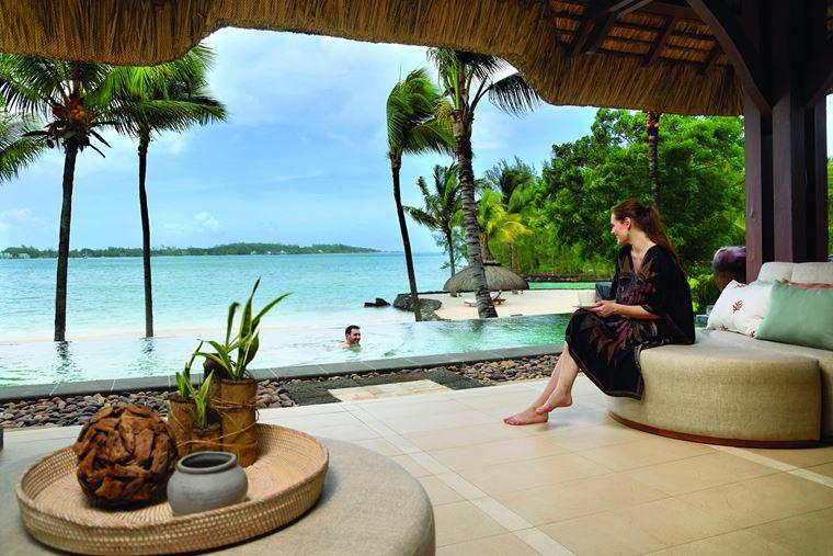 Shangri-La's Le Touessrok Resort & Spa на Маврикии - пейзажный бассейн с видом на океан