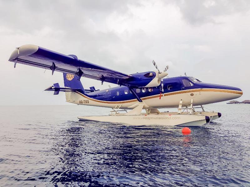 Курорт Velaa Private Island представляет брендированный гидросамолет