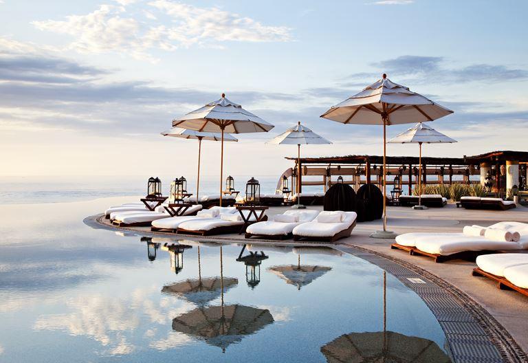 Бассейн инфинити курорта Las Ventanas al Paraiso, a Rosewood Resort