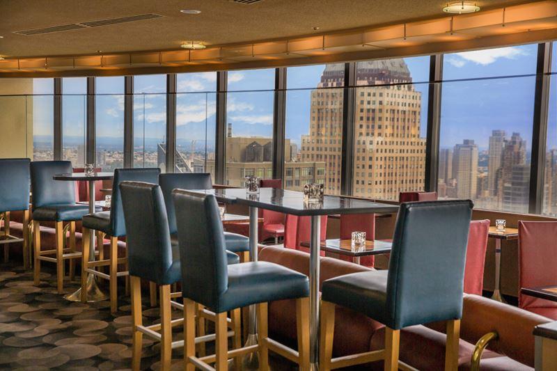 Высокие панорамные рестораны: The View в отеле New York Marriott Marquis (Нью-Йорк, США)