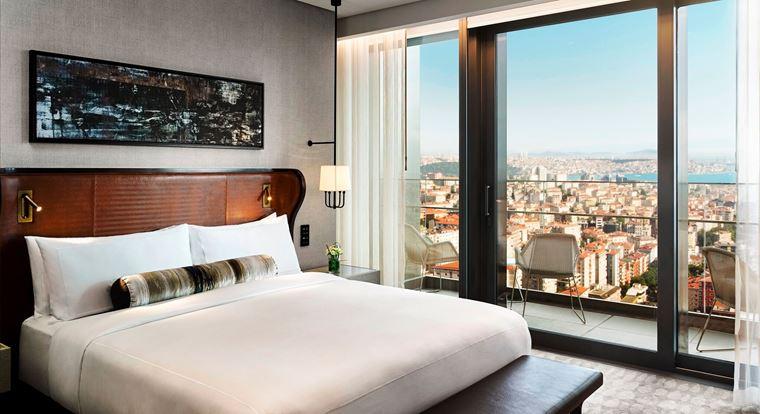 Fairmont Quasar Istanbul - отель 5 звёзд в Стамбуле, Турция - интерьер номеров с панорамными окнами