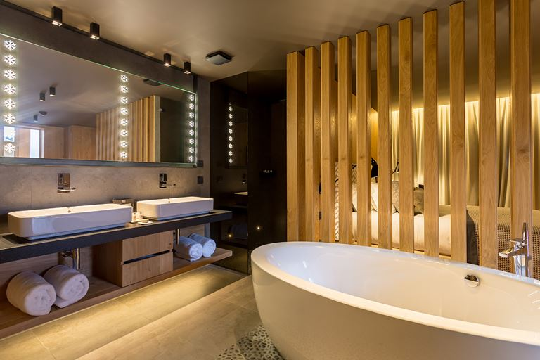 Hermitage Mountain Residences  - интерьер ванной комнаты