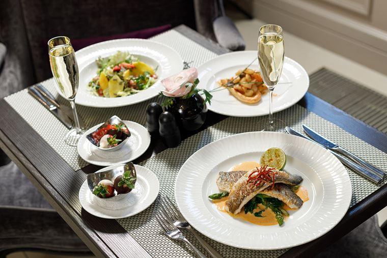 Mercure Арбат Москва предлагает отметить День Святого Валентина блюдами французской и русской кухни