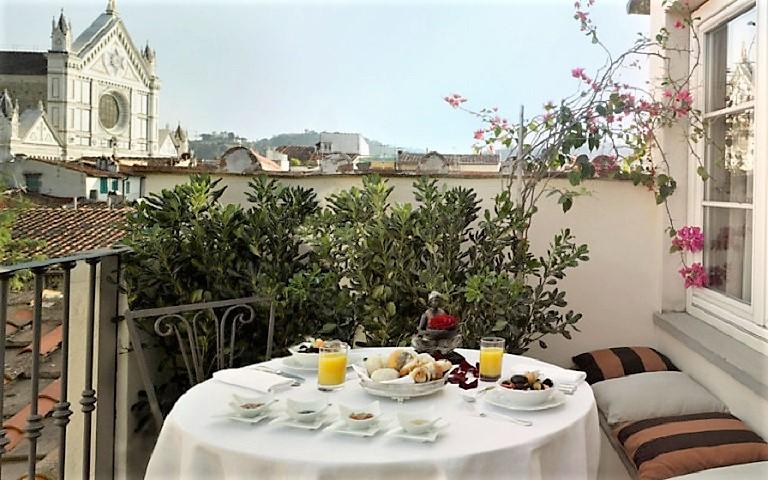 Relais Santa Croce - отель во Флоренции с видом на одну из главных достопримечательностей города