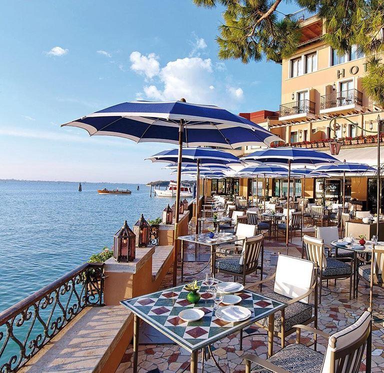 Террасы Belmond Hotel Cipriani открывают восхитительный вид на Венецию