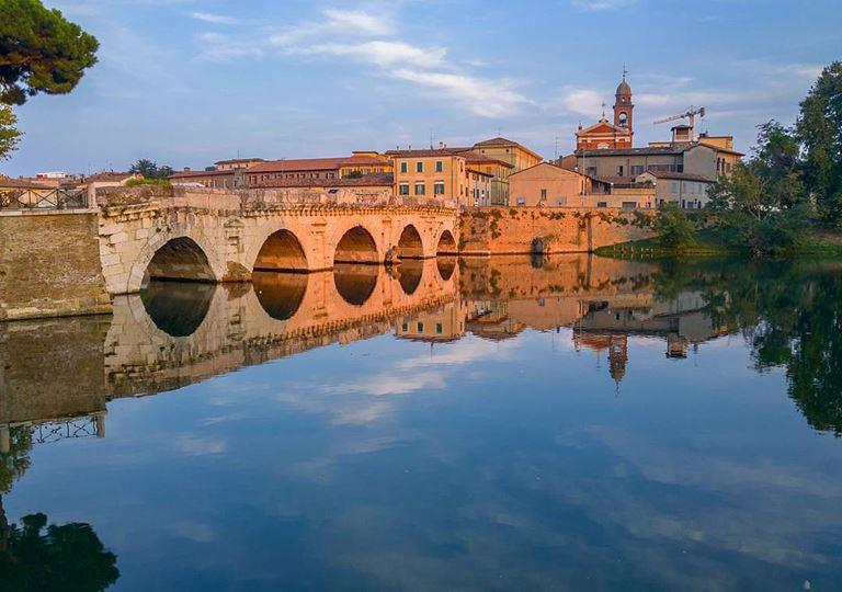 Регион Эмилия-Романья (Италия) - Мост Тиберия в Римини