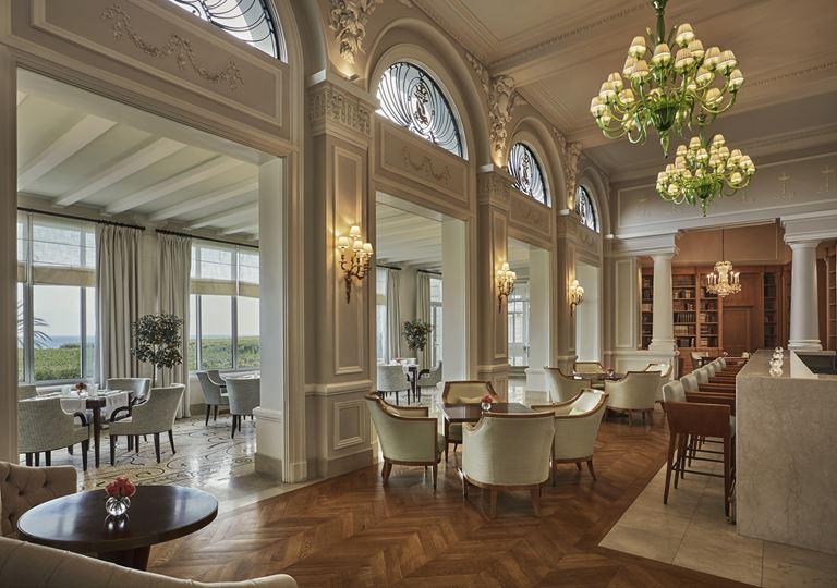 Grand-Hôtel du Cap-Ferrat, Four Seasons (Франция, Лазурный берег) - Ресторан средиземноморской кухни La Veranda