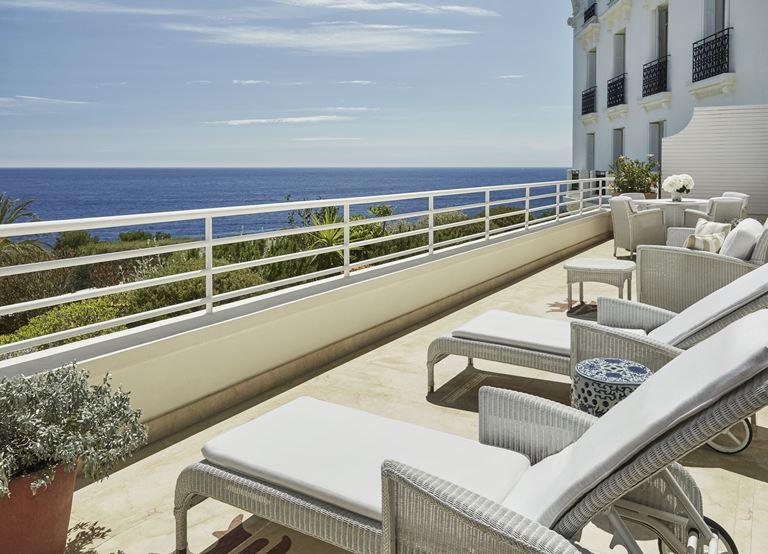 Grand-Hôtel du Cap-Ferrat, Four Seasons (Франция, Лазурный берег) - террасы отеля с видом на море