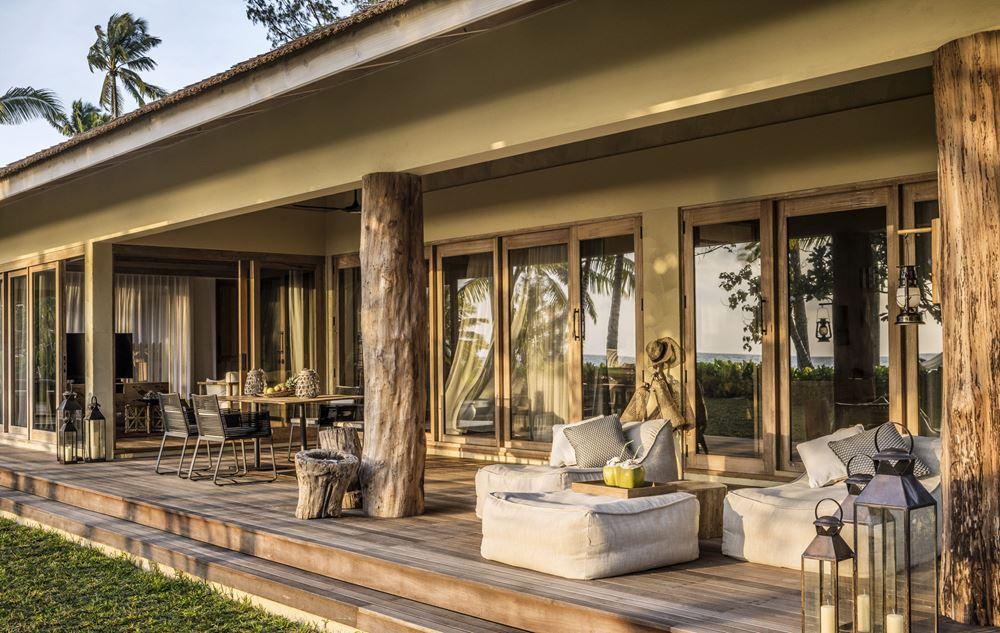 Отель Four Seasons Resort Seychelles at Desroches Island - открытая терраса
