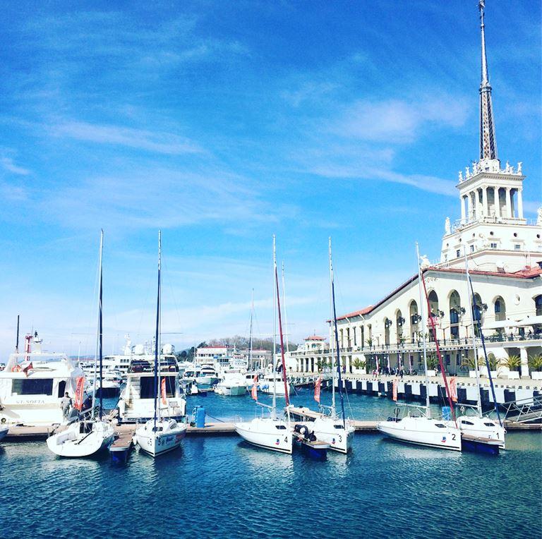 Крым становится популярнее, Сочи – дешевле: Морской вокзал в Сочи