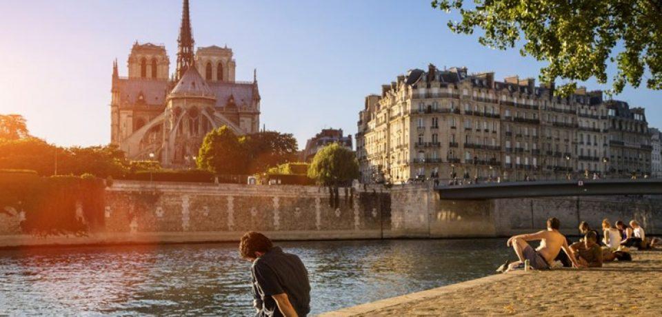 Париж летом: июнь, июль, август (видео)