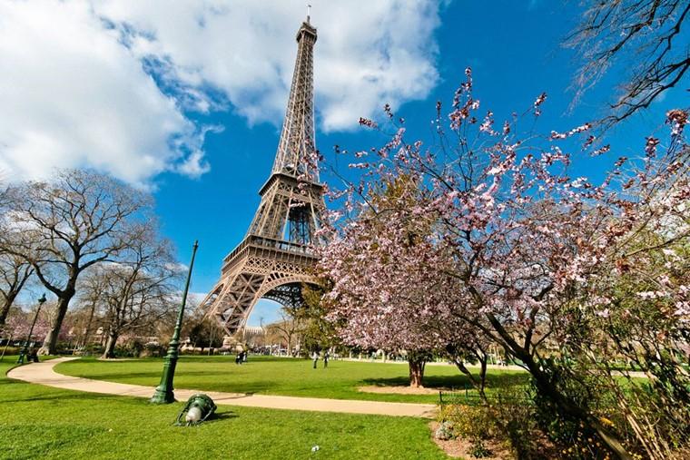 Париж весной: в марте., апреле и мае - погода, улицы – видео