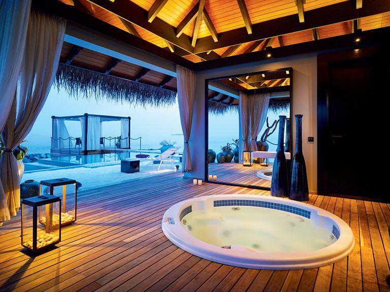 Романтические Мальдивы с Velaa Private Island - вилла Romantic Pool Residence с террасой и джакузи