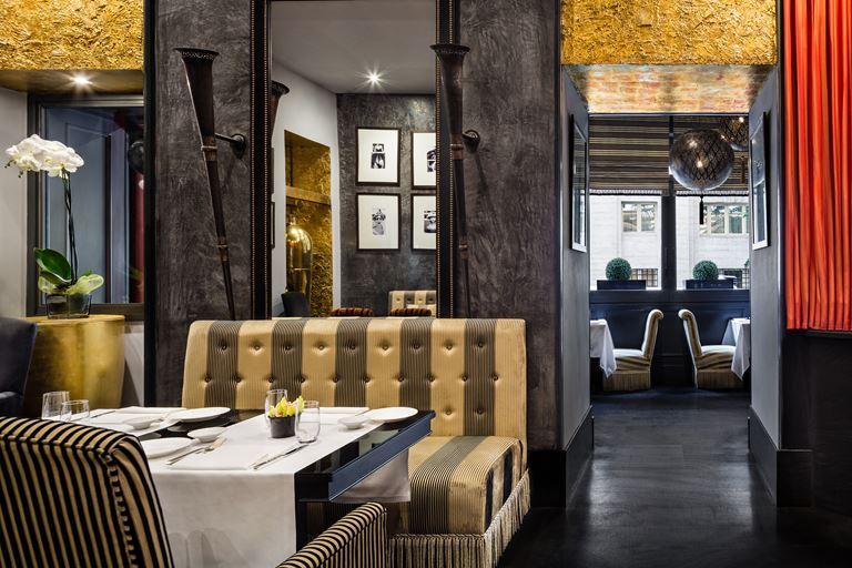 Hotel Regina Baglioni в Риме - интерьер ресторана Brunello