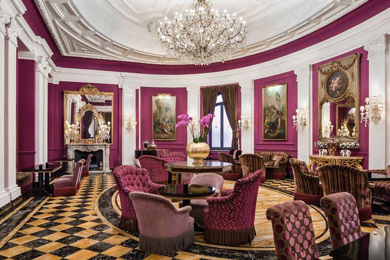 Hotel Regina Baglioni в Риме - кафе Baglioni