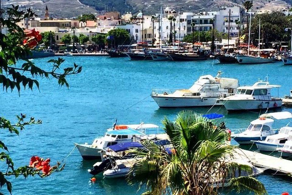 Отпускная «упрощёнка»: россияне, отдыхающие в Турции, смогут посетить острова Греции без шенгенской визы