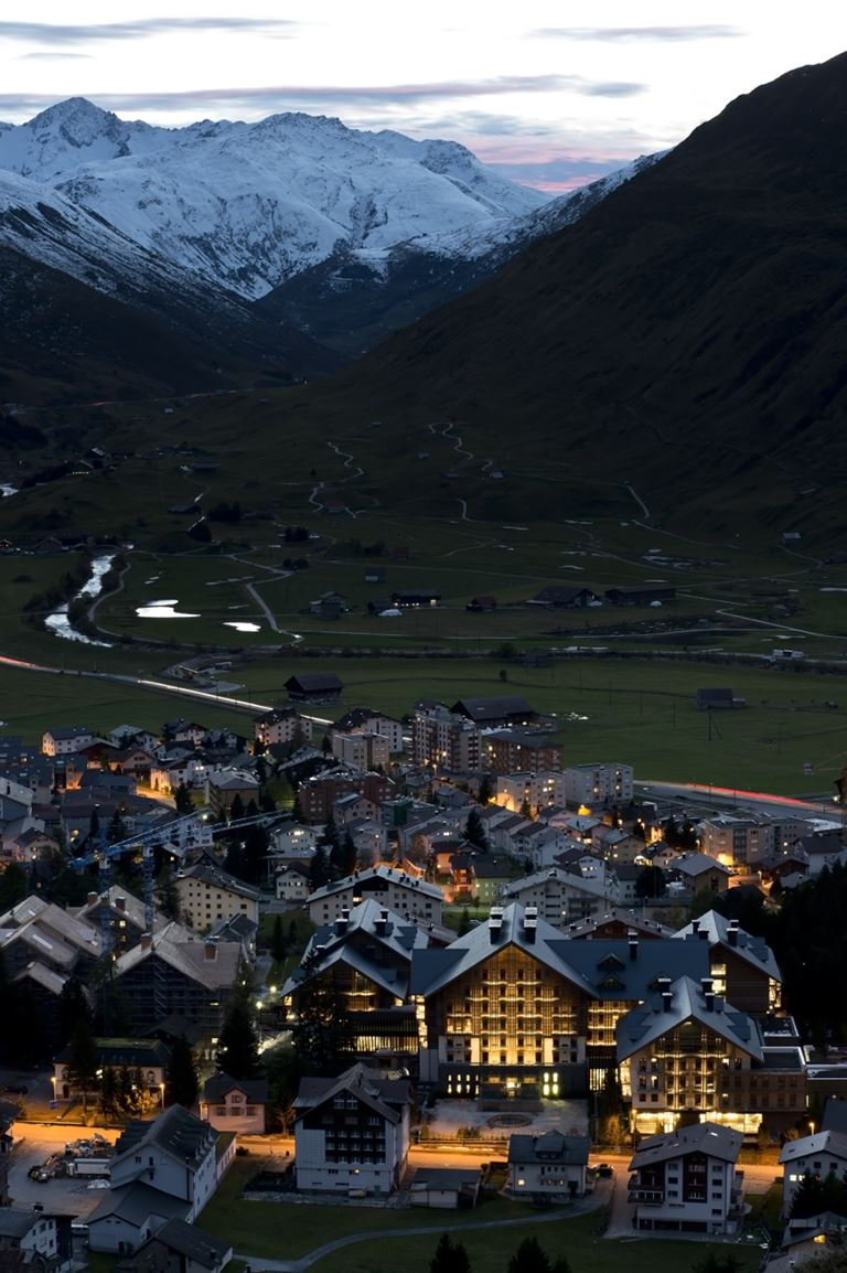 Летние предложения отеля The Chedi Andermatt - Велосипедная прогулка в Альпах