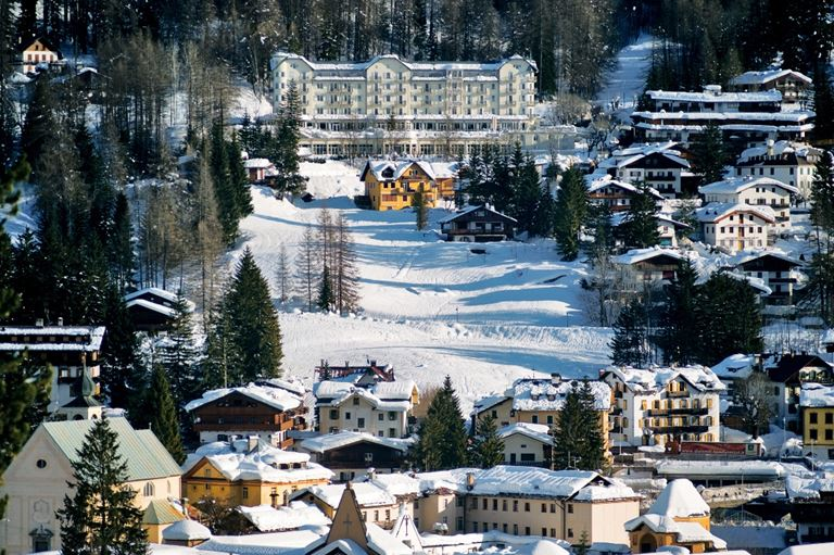 Пора в горы: 70 трасс для гостей Cristallo, a Luxury Collection Resort & Spa