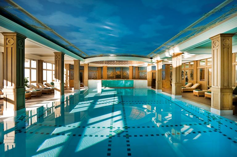 Бассейн в спа-зоне отеля Cristallo, a Luxury Collection Resort & Spa
