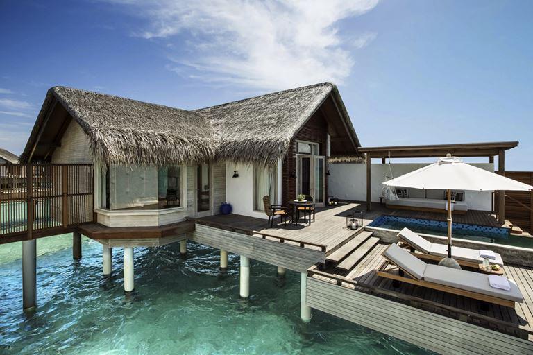 Курортный отель Fairmont Maldives Sirru Fen Fushi на Мальдивах - вилла на воде